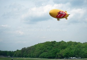Rolling Stones airship!