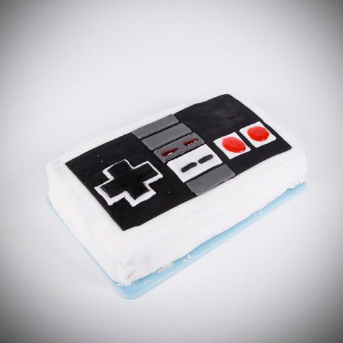 Nitendo controller cake, NES cake,